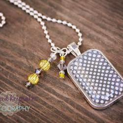 Sweet & Simple Yellow/Gray Pendant Necklace